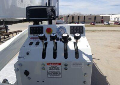 e 145 truck controls
