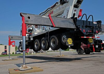 e 160 truck outriggers