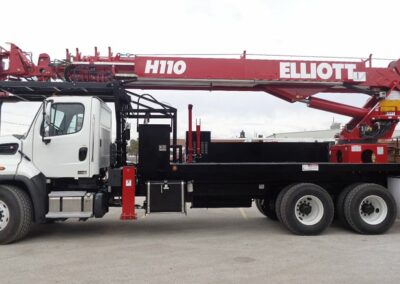 h 110 r truck from side