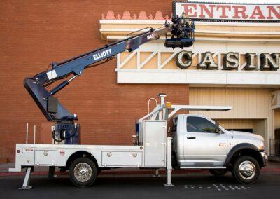 m 43 under sign being installed