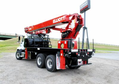 s 70 r skywalk truck from back