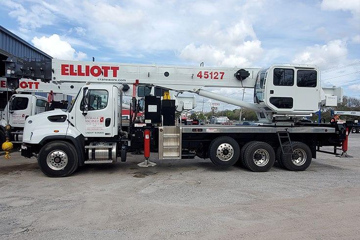 45127 R Boom Truck 7047